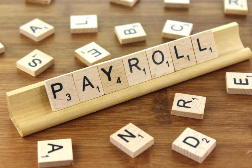6 Reasons To Opt For A Cashless Payroll Process For Your Small Business